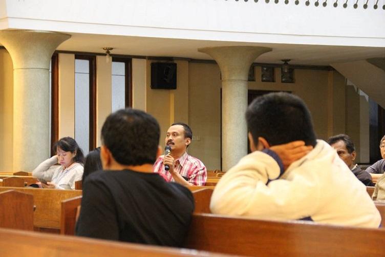 Mendiskusikan Romero: Kekuatan Agama demi Perdamaian dan Keadilan