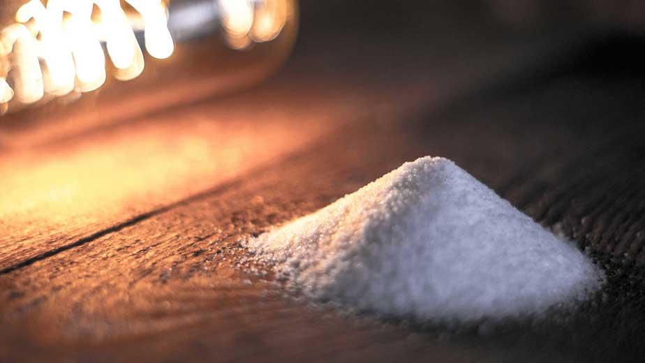 Garam dan Terang Sebagai Identitas